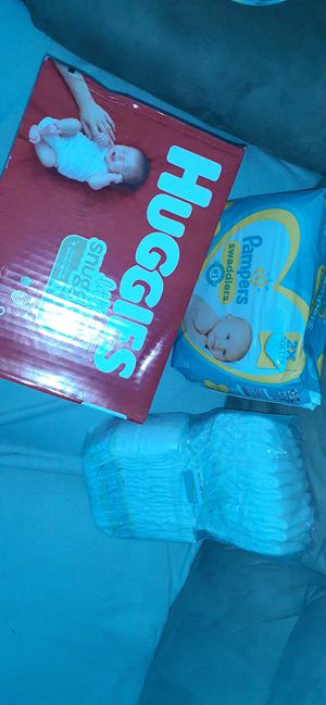 NEWBORN Diapers $30 p/u only for Sale in Los Angeles, CA