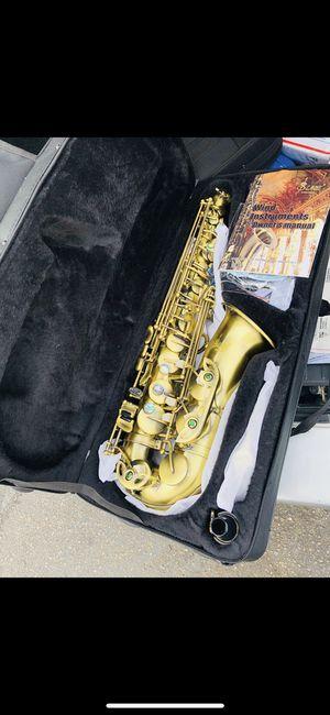 Saxophone nuevo en su caja ya disponible con todos sus accesorios for Sale in Denver, CO