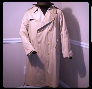 Vintage Bambergers Burberry Like Trench Overcoat for Sale in Atlanta, GA