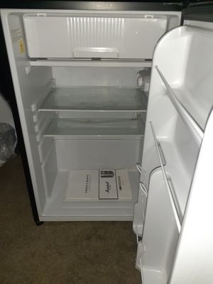 Marshall refrigerator for Sale in E RNCHO DMNGZ, CA