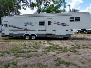 2005 victory Lane 38 foot with (2) slides for Sale in Dona Vista, FL