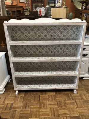 White shabby chic wood bookcase pick up la Mesa 12 to 5 for Sale in San Diego, CA