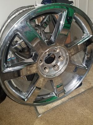 Cadillac Escalade Rim for Sale in St. Louis, MO