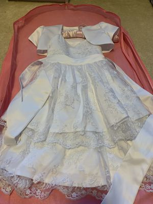 Girls White Dress size 4 for Sale in Brentwood, PA