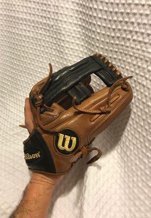 Wilson Baseball glove for Sale in Park Ridge, IL
