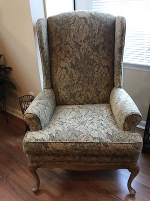 Wing back antique chair for Sale in Lexington, SC
