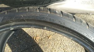 One 22 inch tire 265 30 22 for Sale in North Chesterfield, VA