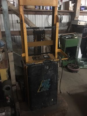 Big Joe electric push forklift 1500lb for Sale in Renton, WA