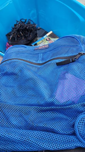 Jansport mesh backpack for Sale in Long Beach, CA