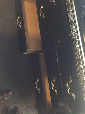 6 Drawer Dresser for Sale in Avon Park, FL