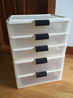 5 Drawer Plastic Storage Container Unit for Sale in Steilacoom, WA