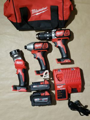 Milwaukee M18 3pcs Hammer Drill Kit for Sale in Greenville, SC