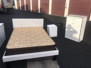Full bedroom set for Sale in Santa Ana, CA