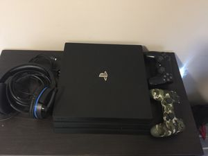 Sony PlayStation 4 Pro 1TB Console - Comes With BT TURTLE BEACH HEADSET for Sale in Camp Springs, MD