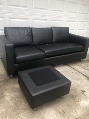 Black Leather Couch with Ottoman (Love Seat / Sofa / Sectional / Couch) for Sale in Longwood, FL