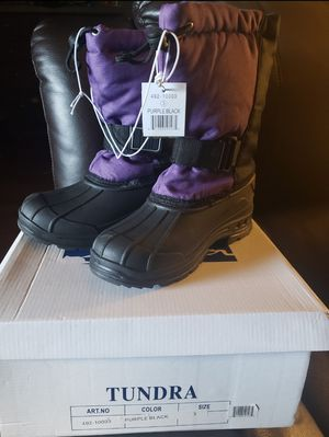 New girls snow boots size 3y (womens size 5) for Sale in Antioch, CA