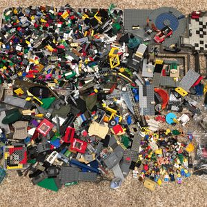 11 1/2 pounds of Legos Sets Characters for Sale in Placentia, CA
