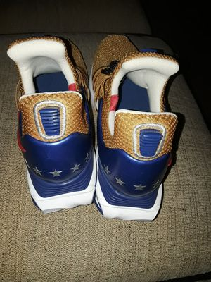 NIKES SHOES FOR MEN SIZE #10 for Sale in Everett, WA