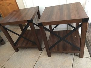 """18"""" Square Wood and Metal X Side Table in brown set of 2 for Sale in Bakersfield, CA"""
