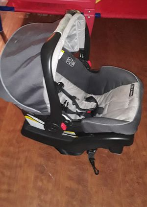 Graco Baby car seat/carrier for Sale in Denton, TX
