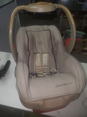 Eddie Bauer Car Seat clean in great condtion for Sale in Memphis, TN