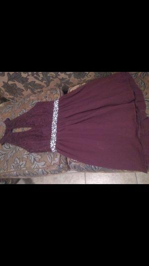 Vestido burgandi nuevo sais 13 muy elegante $70 oh mejor oferta for Sale in Madera, CA