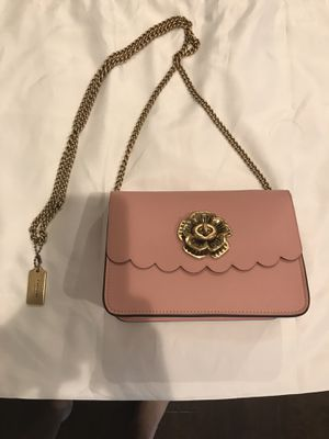Coach purse in pink for Sale in Leander, TX