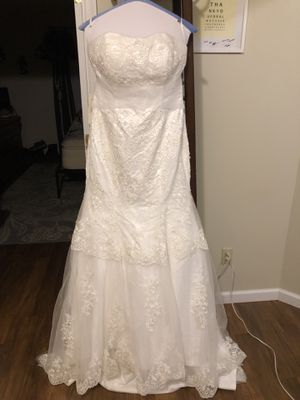 NWT,white wedding gown, unaltered size 10 for Sale in Scottsville, VA