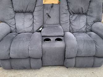 Lazy Boy Electric Recliner for Sale in Houston,  TX