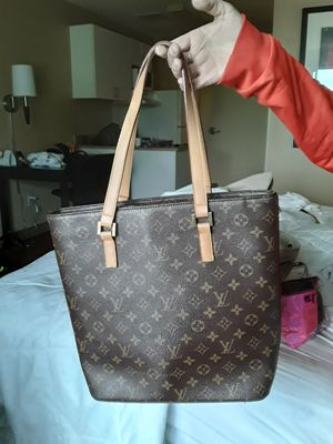 Louis Vuitton hand bag for Sale in Seattle, WA