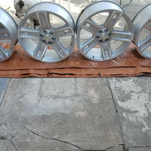 "24"" CHEVY RIMS for Sale in Houston, TX"