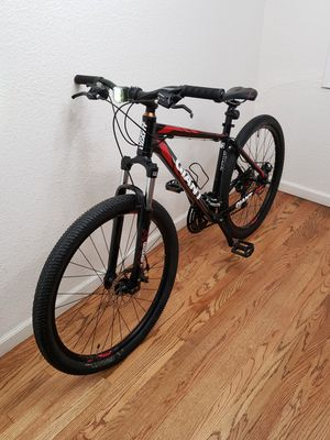 2016 Giant ATX Mountain Bike for Sale in La Habra Heights, CA