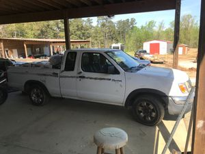Nissan frontier 1998 2wd for Sale in Raleigh, NC