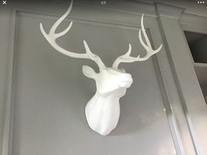 White Faux Elk Head Mount for Sale in Vancouver, WA