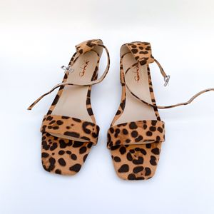 size 8.5 XYD Women Sexy Leopard Square Open Toe Block Heels Ankle Strap Sandals Dress Shoes for Sale in Las Vegas, NV