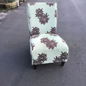 Chairs And TV Stand for Sale in Kent, WA