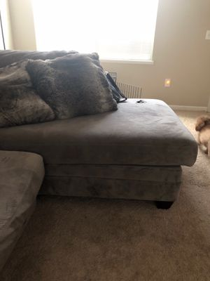 Sectional Gray couch, for Sale in Columbus, OH