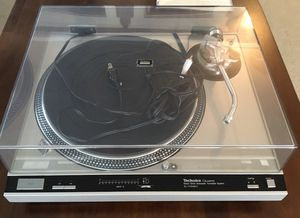 Technics SL-1700 MK2 Turntable for Sale in Los Angeles, CA