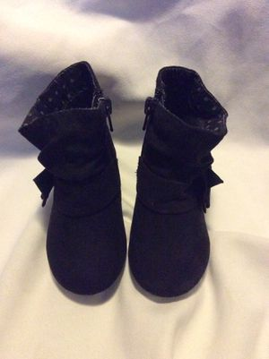Toddler size 5 black boots for Sale in Hesperia, CA