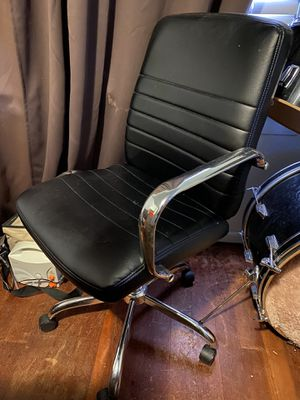 Rolling Desk Chair for Sale in Dinuba, CA