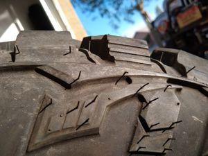 Tire mud terrain LT 265/70R17 for Sale in Buckeye, AZ