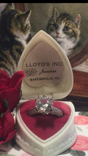 "Gorgeous!"" Engagement ring micro pave band domed with brilliant white sapphires the center beautiful sapphire💍🌹 raised 4 k lots of bling here💍🌹stunn for Sale in Northfield, OH"