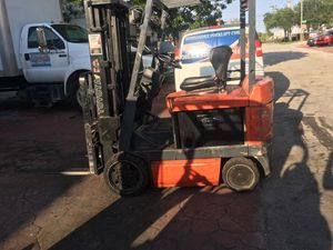Toyota Electric Forklift for Sale in Miami, FL