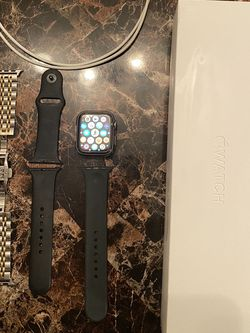 Apple Watch Series 4 44mm for Sale in Fort Myers,  FL