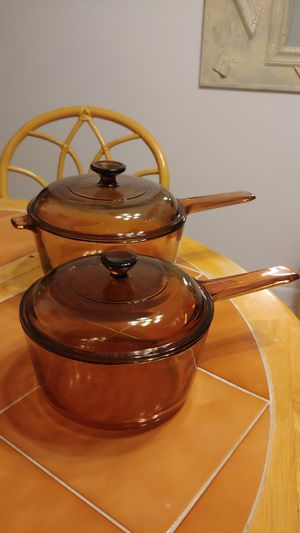 Pyrex set of pans for Sale in Pompano Beach, FL
