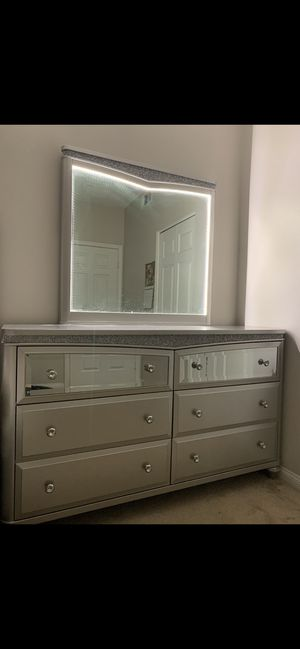 Dresser for Sale in San Diego, CA