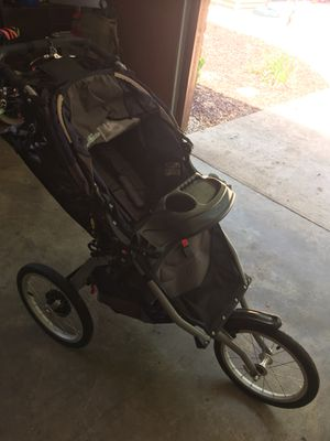 BOB Ironman jogging stroller for Sale in Battle Creek, MI