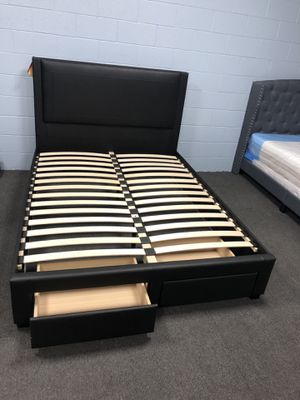 Queen Platform Bed Frame for Sale in Fresno, CA