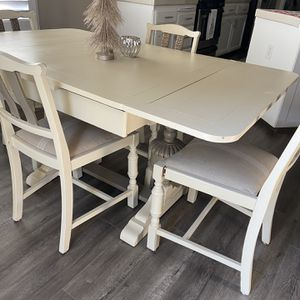 Farmhouse kitchen table for Sale in Lemoore, CA