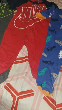 3 Nike Onsies Great Condition Size 9months for Sale in The Bronx,  NY